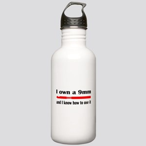 I own a 9mm and I know how to use it Water Bottle