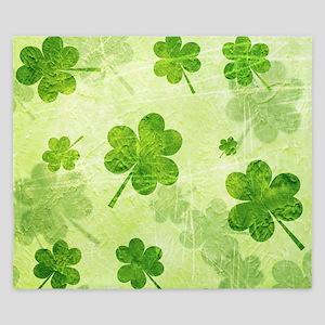 Green Shamrock Pattern King Duvet