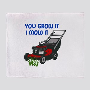 I MOW IT Throw Blanket