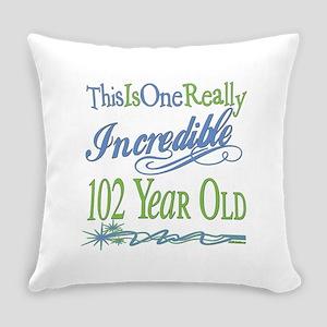 IncredibleGreen102 Everyday Pillow