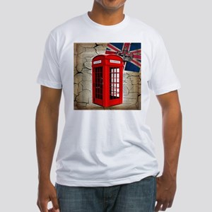 union jack telephone booth T-Shirt