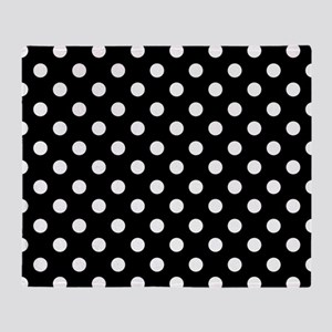bw-polkadot Throw Blanket