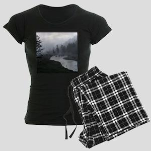 Bison Crossing Women's Dark Pajamas