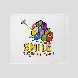 smile! It's Selfie Time! Throw Blanket