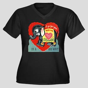 Vintage Elephant Valentine Plus Size T-Shirt