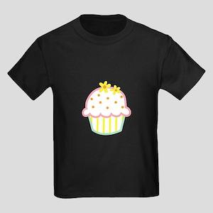 DAISY CUPCAKE APPLIQUE T-Shirt