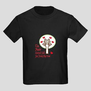 APPLE DOESNT FALL FAR T-Shirt