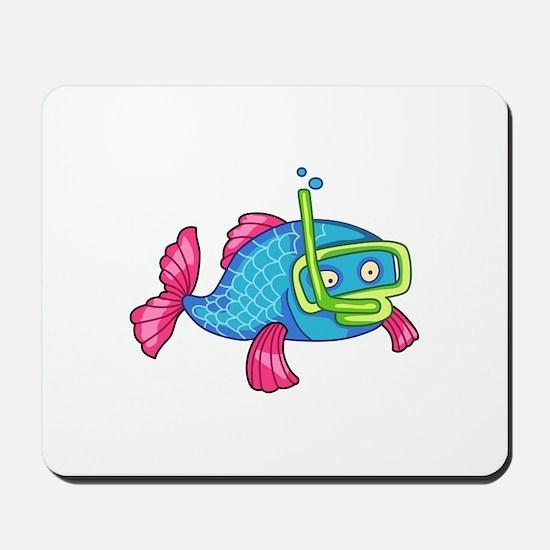 FISH SNORKELING Mousepad