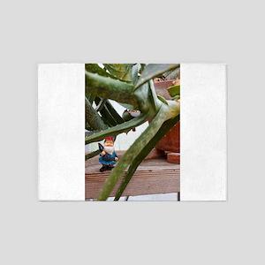 Aloe Gnome 5'x7'Area Rug