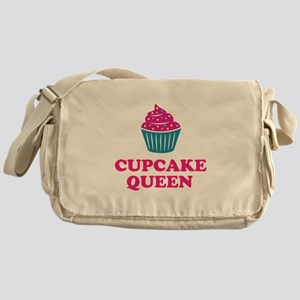Cupcake baking queen Messenger Bag
