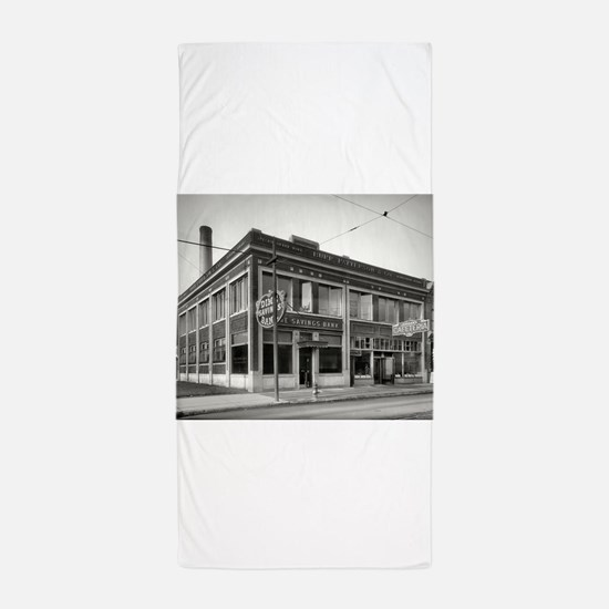Detroit circa 1912. Dime Savings Bank, Beach Towel