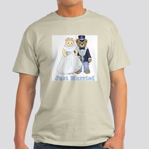 Just Married - Bride and Groom Light T-Shirt