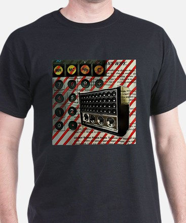 geeky retro radio T-Shirt