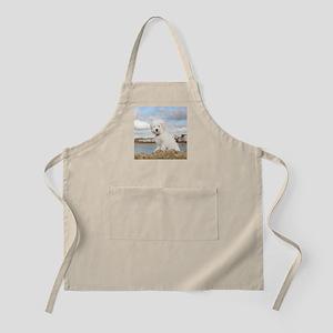 DOG AT THE BEACH Apron