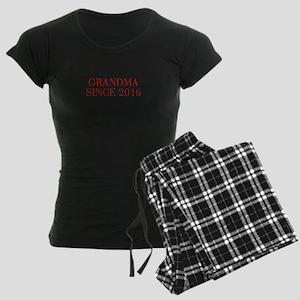 Grandma since 2016-Bau red2 500 Pajamas