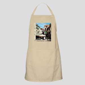 Drawn To The Shade Apron