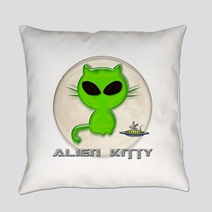 alien kitty Everyday Pillow