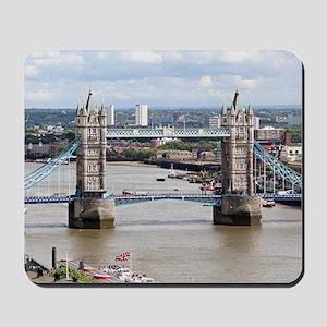 Tower Bridge, Thames River, London, Engl Mousepad