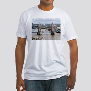 Tower Bridge, Thames River, London, Englan T-Shirt
