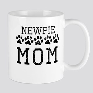 Newfie Mom (Distressed) Mugs