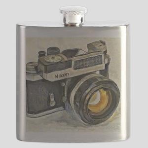 Vintage SLR camera with selenium meter Flask