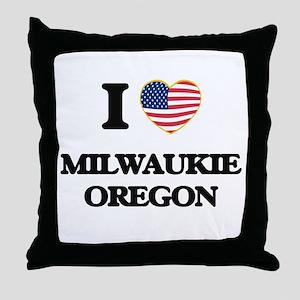 I love Milwaukie Oregon Throw Pillow