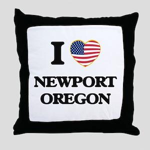 I love Newport Oregon Throw Pillow