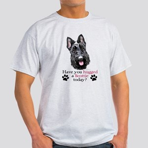 Scottie Hug Light T-Shirt