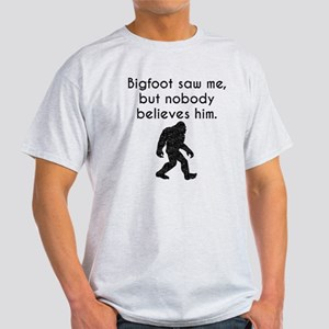 Bigfoot Saw Me (Distressed) T-Shirt
