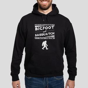 Bigfoot An Sasquatch (Distressed) Hoodie