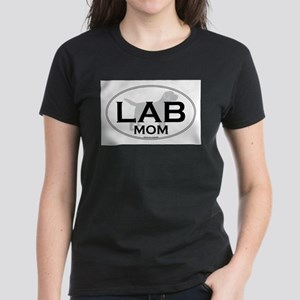 Labrador Mom II Women's Dark T-Shirt