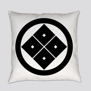 Tilted four-square-eyes in circle Everyday Pillow