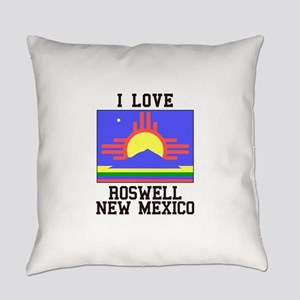 I Love Roswell, New Mexico Everyday Pillow