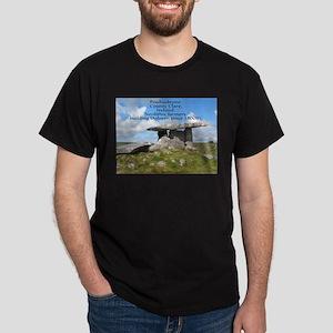 Historic Irish tomb or Dolmen Dark T-Shirt