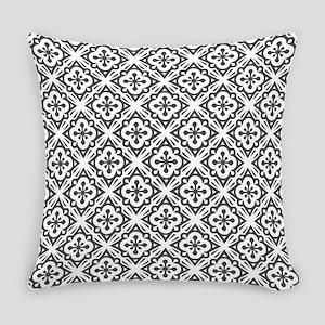 Floral Nouveau Deco Pattern Everyday Pillow