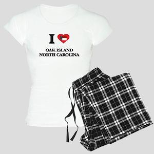 I love Oak Island North Car Women's Light Pajamas