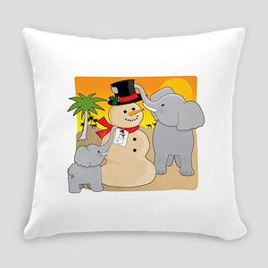 sahara christmas Everyday Pillow