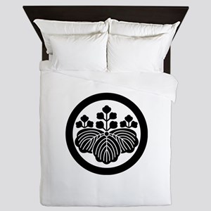 Paulownia with 5&3 blooms in circle Queen Duvet