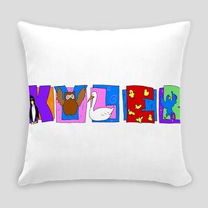 KYLER23_BIRDS Everyday Pillow