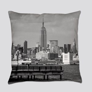new york city Everyday Pillow