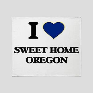 I love Sweet Home Oregon Throw Blanket