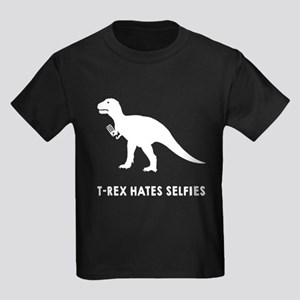 T-rex hates selfies Kids Dark T-Shirt