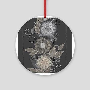 Elegant Floral Ornament (Round)
