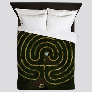 Labyrinth & well Queen Duvet