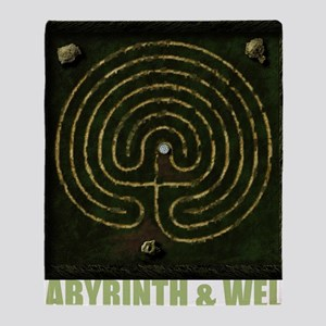 Labyrinth & well Throw Blanket