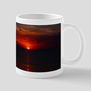 Deep color sunset Mugs