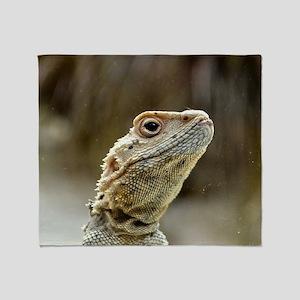 nosy Lizard Throw Blanket