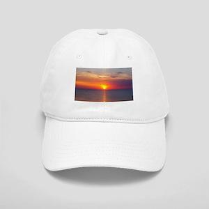 Red Sunrise Over Ocean (2) Cap