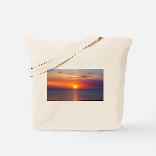 Red Sunrise Over Ocean (2) Tote Bag
