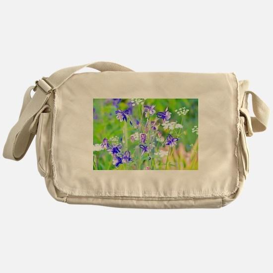 Wonder Messenger Bag